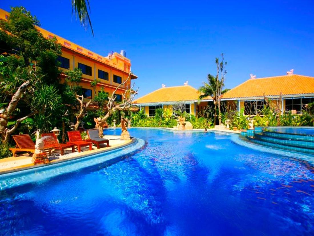 普吉岛阿查龙别墅酒店 (aochalong villa & spa)