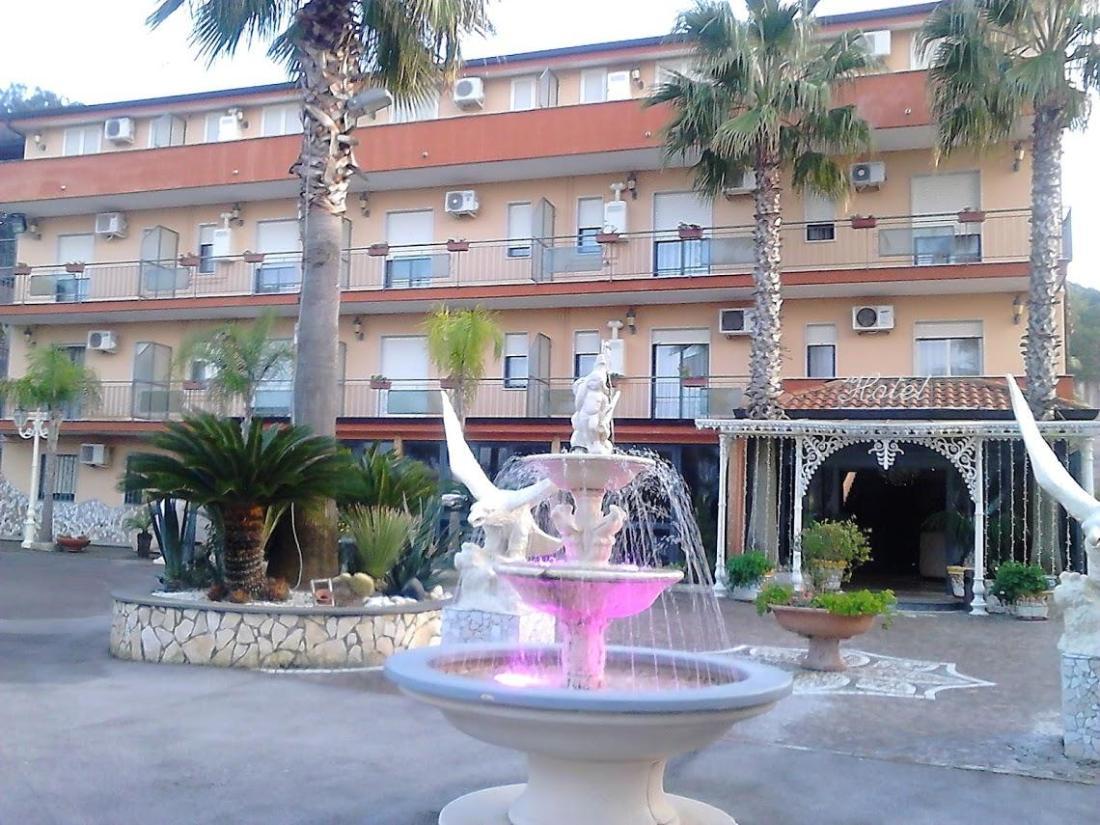 Hotel Happy Days - Giugliano in Campania - Affari imbattibili su ...