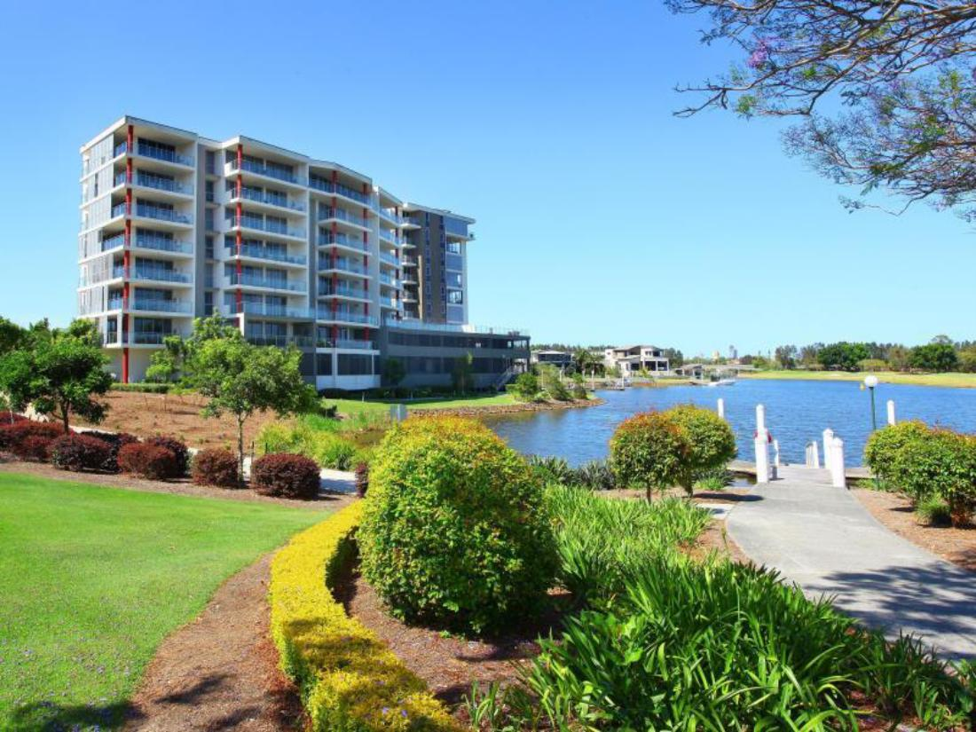 Book Signature Waterfront Apartments Gold Coast Australia Agoda Com