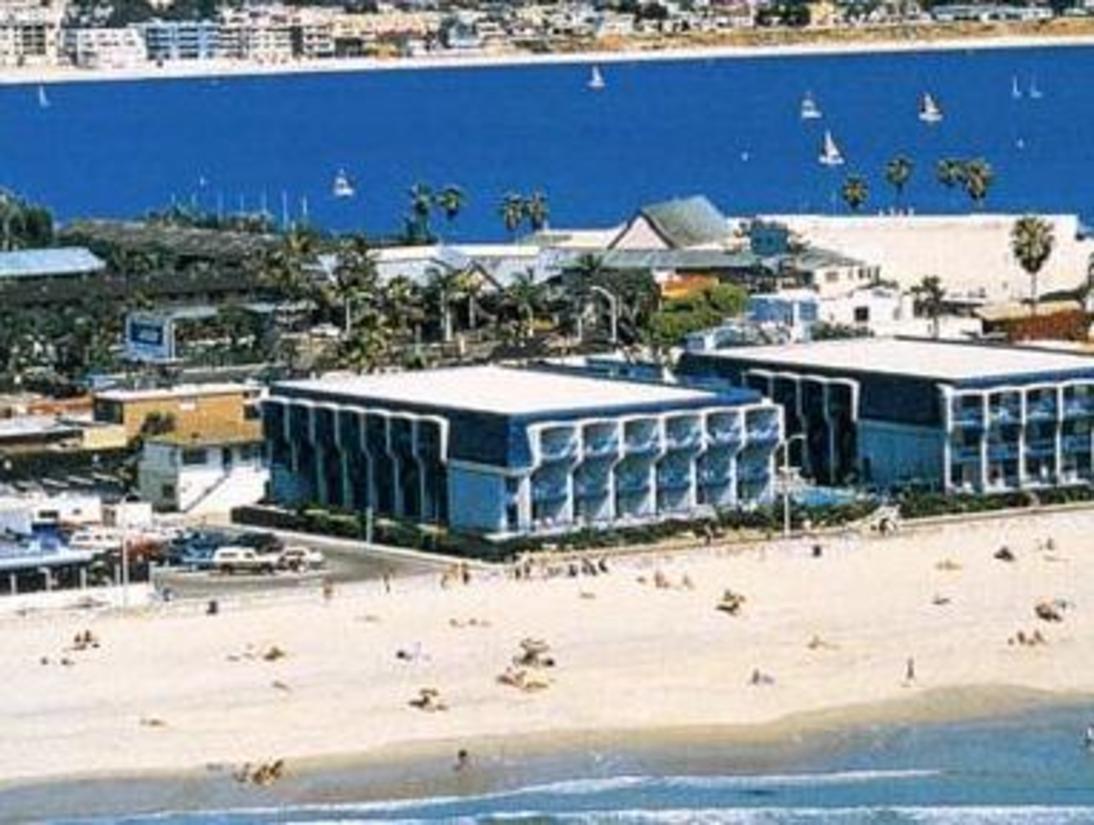 Blue sea beach hotel san diego ca jimat di for Hotels 92109