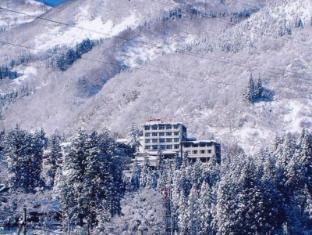 /ar-ae/yukiguni-no-yado-takahan-ryokan/hotel/yuzawa-jp.html?asq=jGXBHFvRg5Z51Emf%2fbXG4w%3d%3d