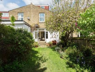 Veeve  4 Bed House On Leighton Road Ealing
