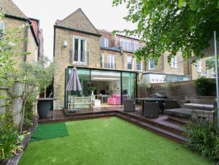 Veeve  5 Bed Family Home On Dukes Avenue Chiswick
