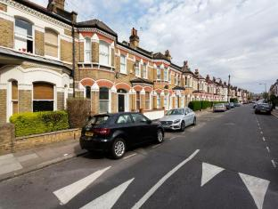 Veeve  2 Bedroom Flat On Dafforne Road Wandsworth