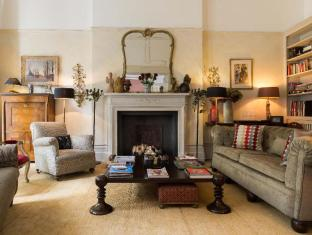 Veeve  Elegant 4 Bed With Views Over A Garden Square Kensington