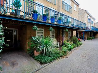 Veeve  2 Bed Mews House Chadwick Mews Chiswick