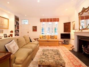 Veeve  Queensdale Pl 3 Bed 3 Bath Mews House Parking