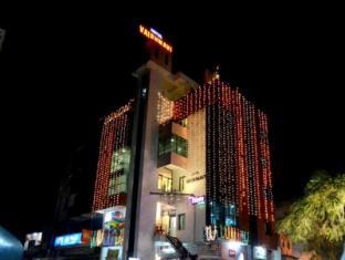 /ar-ae/hotel-vaishnavi/hotel/solapur-in.html?asq=jGXBHFvRg5Z51Emf%2fbXG4w%3d%3d