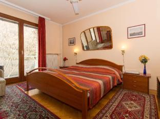 Budavar Bed and Breakfast