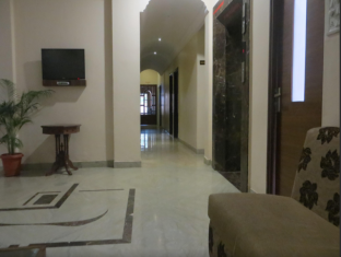 Hotel Sandhu Palace