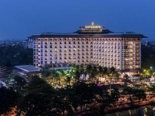 /th-th/chatrium-hotel-royal-lake-yangon/hotel/yangon-mm.html?asq=jGXBHFvRg5Z51Emf%2fbXG4w%3d%3d