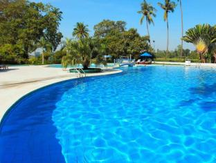 /sv-se/inya-lake-hotel/hotel/yangon-mm.html?asq=jGXBHFvRg5Z51Emf%2fbXG4w%3d%3d
