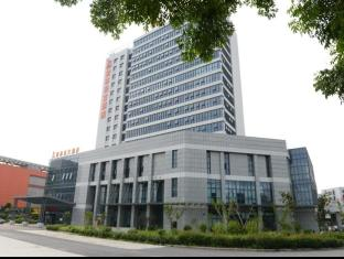 /ar-ae/greentree-inn-eastern-yancheng-administration-center-hotel/hotel/yancheng-cn.html?asq=jGXBHFvRg5Z51Emf%2fbXG4w%3d%3d
