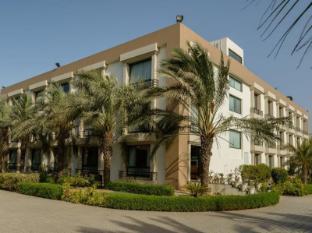/cs-cz/quality-inn-palms/hotel/gandhidham-in.html?asq=jGXBHFvRg5Z51Emf%2fbXG4w%3d%3d