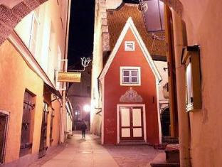 /lv-lv/zinc-old-town-hostel-tallinn/hotel/tallinn-ee.html?asq=jGXBHFvRg5Z51Emf%2fbXG4w%3d%3d