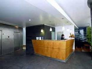 /da-dk/comfort-inn-ponta-delgada/hotel/ponta-delgada-pt.html?asq=jGXBHFvRg5Z51Emf%2fbXG4w%3d%3d