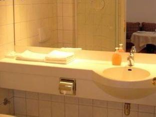/es-es/flair-hotel-vier-jahreszeiten/hotel/bad-urach-de.html?asq=jGXBHFvRg5Z51Emf%2fbXG4w%3d%3d