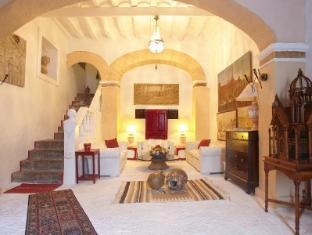 /cs-cz/hotel-el-corsario-ibiza/hotel/ibiza-es.html?asq=jGXBHFvRg5Z51Emf%2fbXG4w%3d%3d
