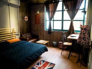 London Style Baker Street Inn
