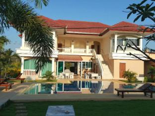 East Shore Pattaya Resort