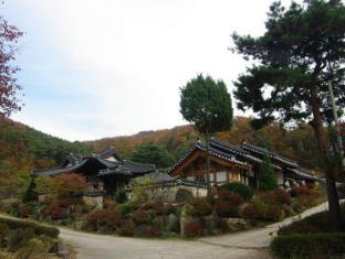 /ca-es/hyojongdang-hanok-stay/hotel/yongin-si-kr.html?asq=jGXBHFvRg5Z51Emf%2fbXG4w%3d%3d