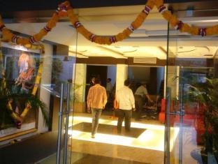 /ar-ae/loharkar-family-hotel/hotel/nagpur-in.html?asq=jGXBHFvRg5Z51Emf%2fbXG4w%3d%3d