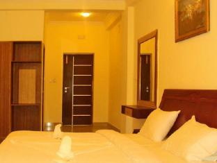 /bg-bg/la-flora-hotel-hill-breeze-yelagiri/hotel/yelagiri-in.html?asq=jGXBHFvRg5Z51Emf%2fbXG4w%3d%3d