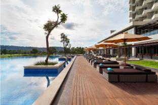 /ca-es/radisson-golf-and-convention-center-batam/hotel/batam-island-id.html?asq=jGXBHFvRg5Z51Emf%2fbXG4w%3d%3d