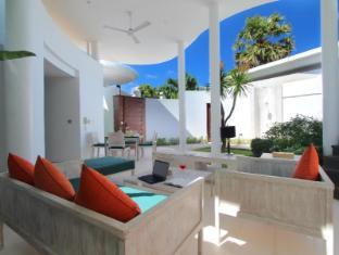 TAMAN MESARI Luxury Villas