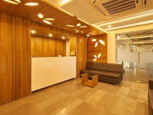 /de-de/7wonders-hotel-gandhinagar/hotel/gandhinagar-in.html?asq=jGXBHFvRg5Z51Emf%2fbXG4w%3d%3d