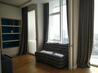 Platinum Luxury Suites