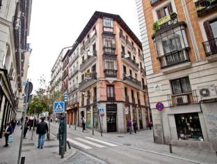 /hi-in/hostal-a-nuestra-senora-de-la-paloma/hotel/madrid-es.html?asq=jGXBHFvRg5Z51Emf%2fbXG4w%3d%3d