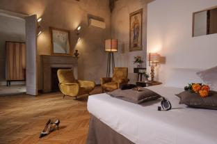/hi-in/hotel-lungarno-vespucci-50/hotel/florence-it.html?asq=jGXBHFvRg5Z51Emf%2fbXG4w%3d%3d