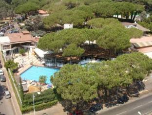 Shangri La Corsetti Hotel