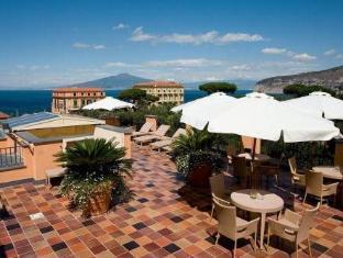 /it-it/hotel-palazzo-guardati/hotel/sorrento-it.html?asq=jGXBHFvRg5Z51Emf%2fbXG4w%3d%3d