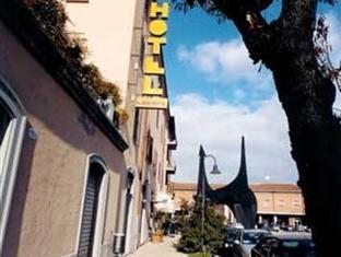 /hi-in/hotel-europa/hotel/spoleto-it.html?asq=jGXBHFvRg5Z51Emf%2fbXG4w%3d%3d