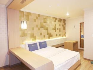 /da-dk/central-hotel/hotel/changwon-si-kr.html?asq=jGXBHFvRg5Z51Emf%2fbXG4w%3d%3d