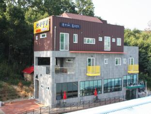 /ar-ae/goodstay-andong-poong-gyung-guesthouse/hotel/andong-si-kr.html?asq=jGXBHFvRg5Z51Emf%2fbXG4w%3d%3d