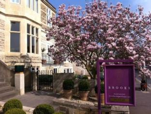 Brooks Guesthouse Bath