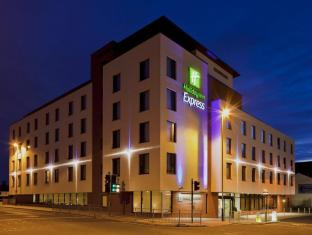 /bg-bg/holiday-inn-express-cheltenham-town-centre/hotel/cheltenham-gb.html?asq=jGXBHFvRg5Z51Emf%2fbXG4w%3d%3d