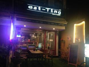 eat-Ting Cafe' and Hostel
