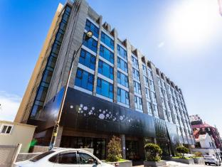 /nl-nl/vistacay-hotel-cheonjiyeon/hotel/jeju-island-kr.html?asq=jGXBHFvRg5Z51Emf%2fbXG4w%3d%3d