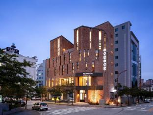 /ar-ae/gangneung-boutique-hotel-bombom/hotel/gangneung-si-kr.html?asq=jGXBHFvRg5Z51Emf%2fbXG4w%3d%3d