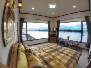 /cs-cz/chandra-varin-riverfront/hotel/chiangkhan-th.html?asq=jGXBHFvRg5Z51Emf%2fbXG4w%3d%3d