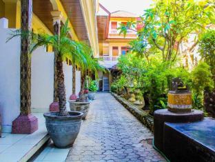 Bali Manik Beach Inn