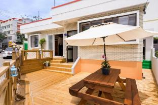 /da-dk/yours-guesthouse-in-tongyeong/hotel/tongyeong-si-kr.html?asq=jGXBHFvRg5Z51Emf%2fbXG4w%3d%3d