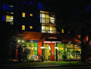 /id-id/sunset-inn-and-suites/hotel/vancouver-bc-ca.html?asq=jGXBHFvRg5Z51Emf%2fbXG4w%3d%3d
