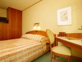/hi-in/radisson-blu-sobieski/hotel/warsaw-pl.html?asq=jGXBHFvRg5Z51Emf%2fbXG4w%3d%3d