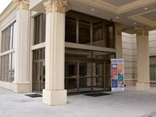 /lv-lv/woodbine-hotel-suites/hotel/toronto-on-ca.html?asq=jGXBHFvRg5Z51Emf%2fbXG4w%3d%3d