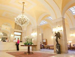 /pt-br/hotel-vittoria/hotel/brescia-it.html?asq=jGXBHFvRg5Z51Emf%2fbXG4w%3d%3d